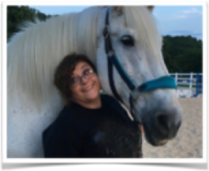 Veteran Lishamarie works with horse Dutch on Experiential Exercises